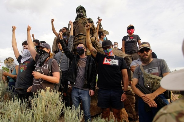 Statue removal protest in New Mexico